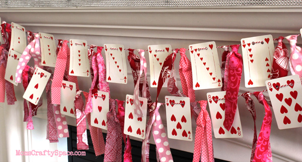 4 Easy Crafts You Can Do With Cards