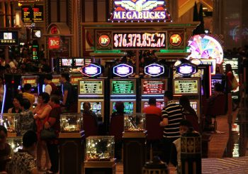 Myths and Lies about Slot Machines - Gifts for Card PLayers