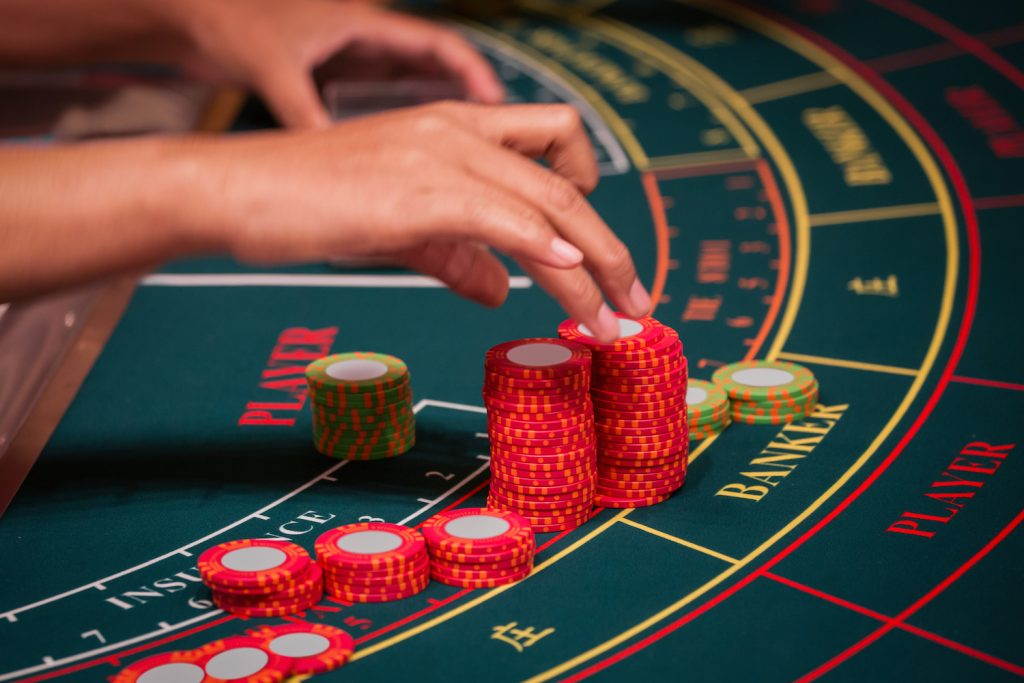 Can you win consistently at Baccarat? - Gifts for Card Players