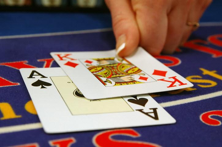 Beginner Tips for Gambling on Card Games