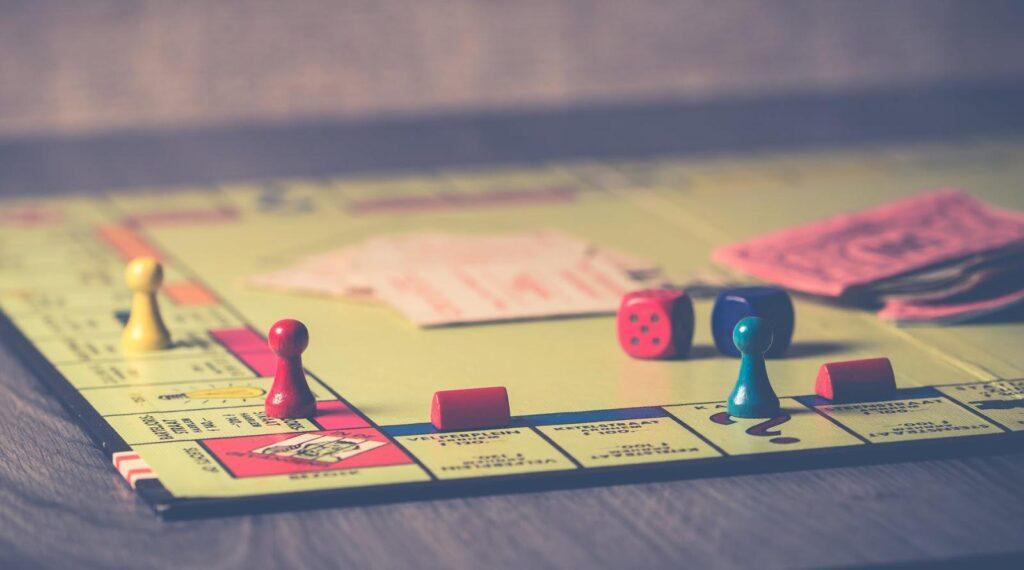 Old school goes new school: the digital transformation of board games