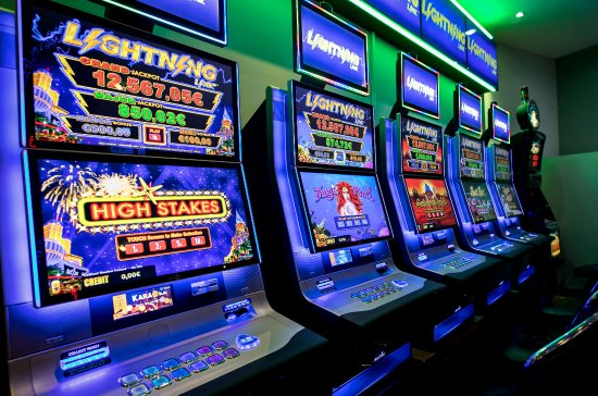 What Are Lightning Link Pokies How To Play Casinos In Australia Gifts For Card Players