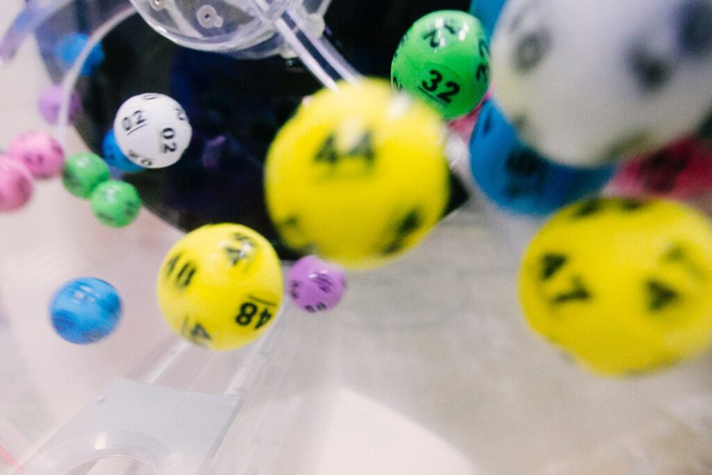 Top 5 tips to play online lottery games
