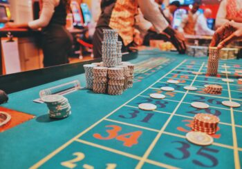 How to Make Money Off Casino Gambling - Gifts for Card Players