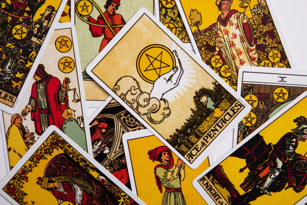6 Excellent Resources to Learn the Tarot (for Free!)